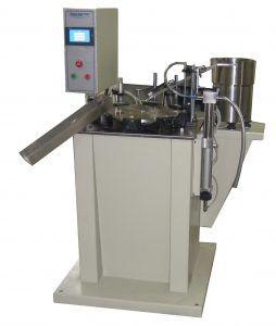 APK-8 - Mašina za pakovanje tečnosti u bočice