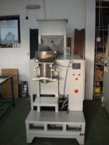 Poluautomatska pakerica za zrnaste materijale PATCE-1500