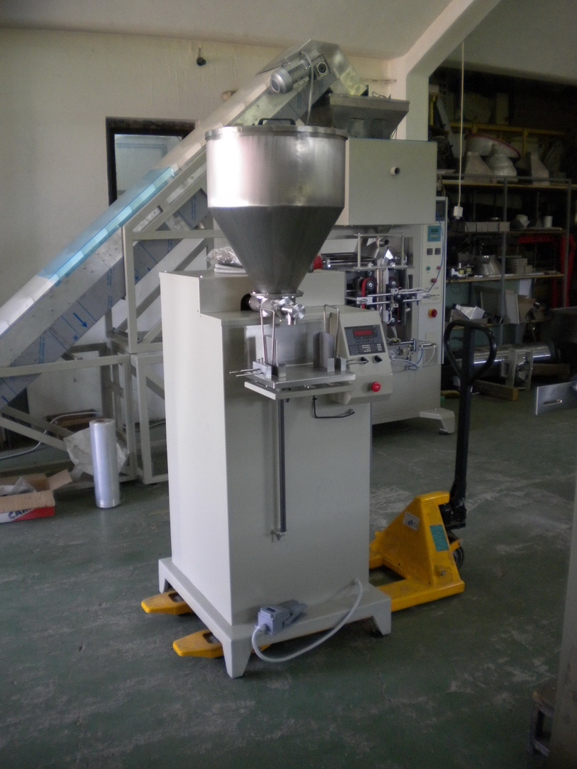 Poluautomatska pakerica za praškaste materijale PAPE-500